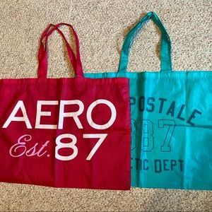 Two Aeropostale Overnight / Pillow Holder Totes ✨